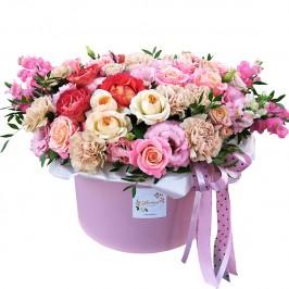 Шляпная коробка с цветами в Курганинске ..